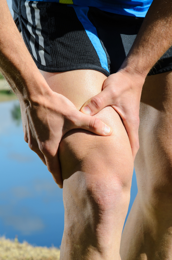 runner's knee pain. Sports massage therapy in Boulder